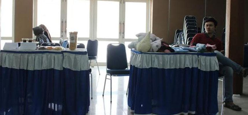 Universitas Muslim Indonesia (UMI) Makassar mengadakan pameran wirausaha mahasiswa dalam program kerja Roses Study Club Fakultas Ekonomi, Jum'at (10/06/2016) pukul 14:00 wita di Auditorium Al Jibra.