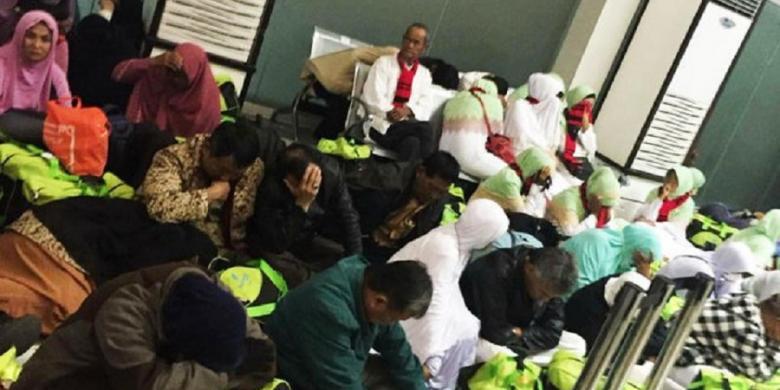 Sebagian dari 177 jemaah haji Indonesia yang menggunakan dokumen palsu, paspor Filipina, berurusan dengan aparat keamanan negara itu pada Jumat (19/8/2016). Pada Sabtu (20/8/.2016) mereka diinterogasi oleh Otoritas Imigrasi Filipina.